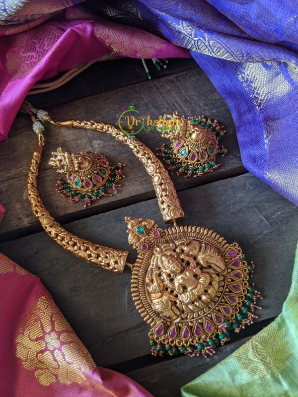 Lakshmi Bend Pipe set with red-green pearls