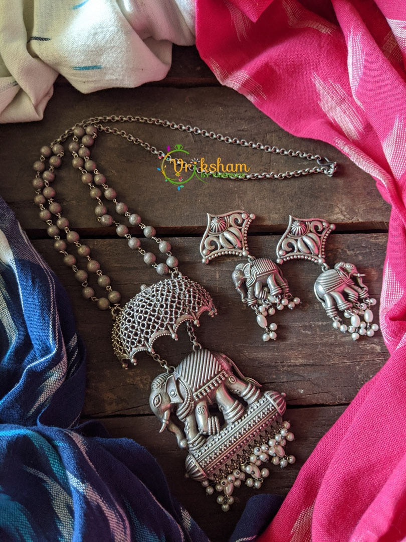 Silver look alike Elephant Procession Neckpiece